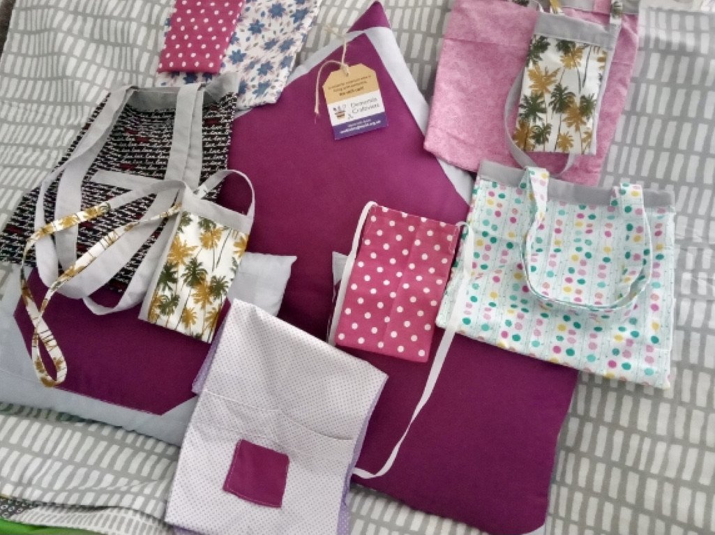 paul-hilton-made-bags-for-nurses-and-his-wife-filled-them-with-goodies