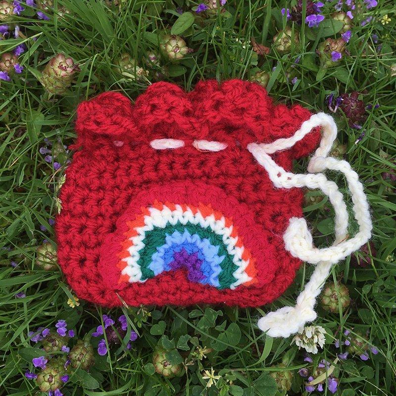 crocheted-deep-purse-1.jpeg-min