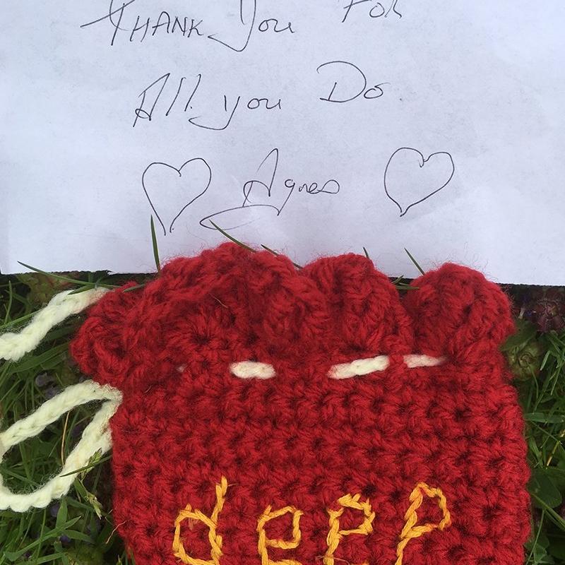 crocheted-deep-purse-2-min