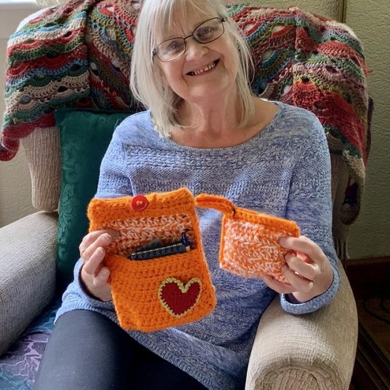 crocheted-phone-case-2.jpeg-min